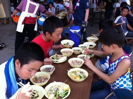 男木島で地引網、料理教室
